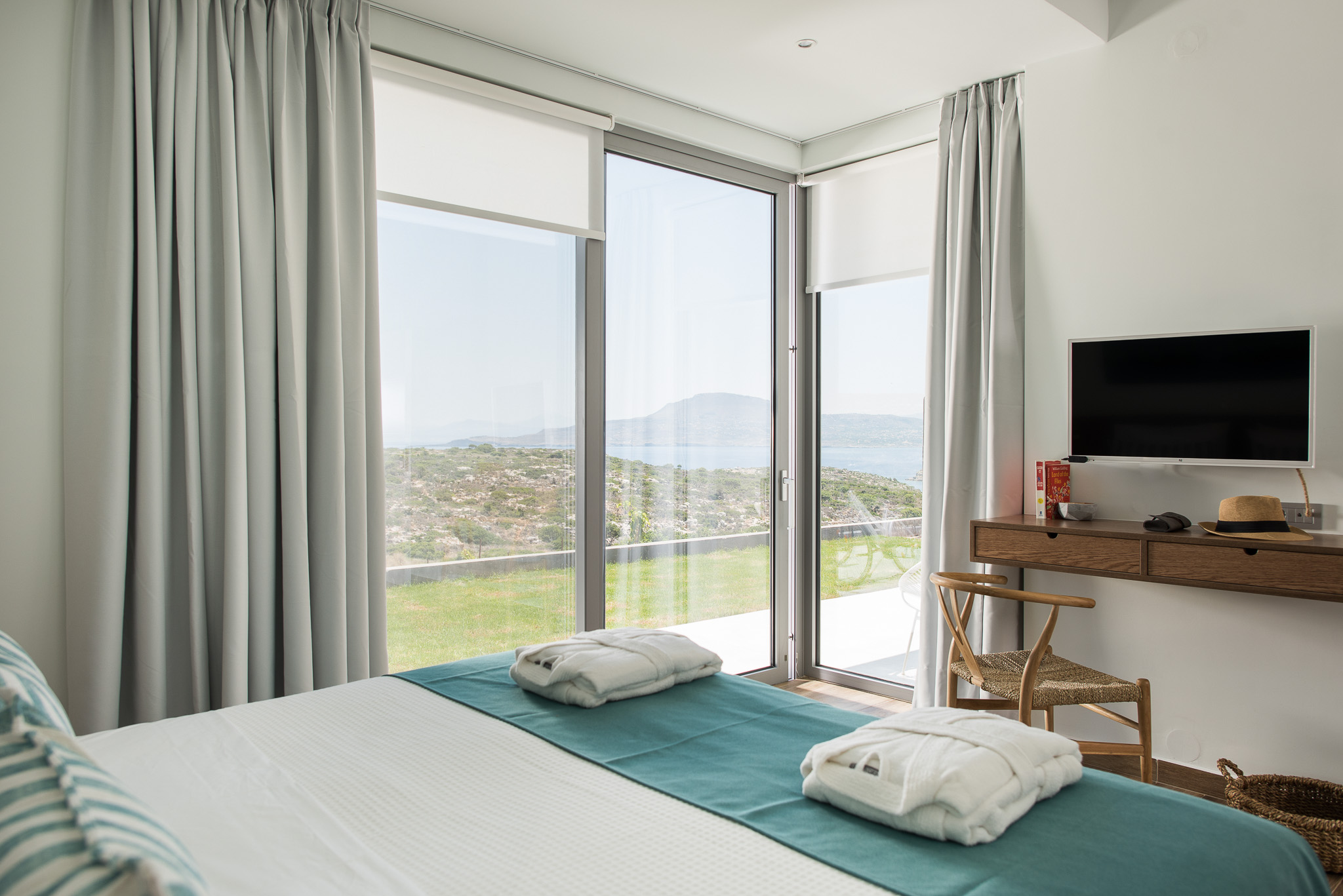 all bedrooms offer spectacular views